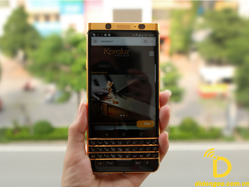 BlackBerry KeyOne ma vang (1)